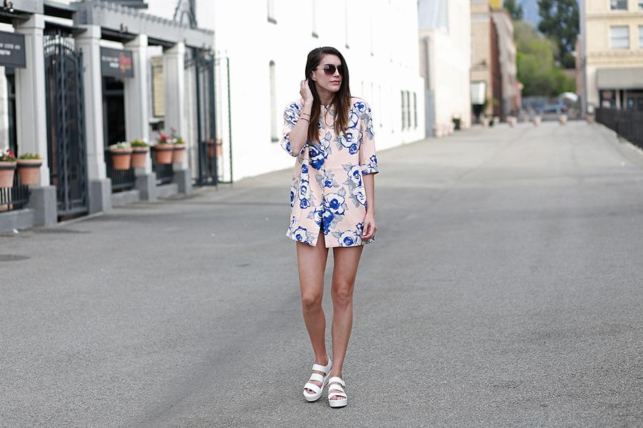 floral jacket forever21 flatforms 1
