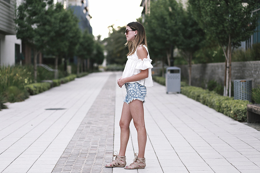 pixie market white top target star shorts sam and libby gladiator sandals 2