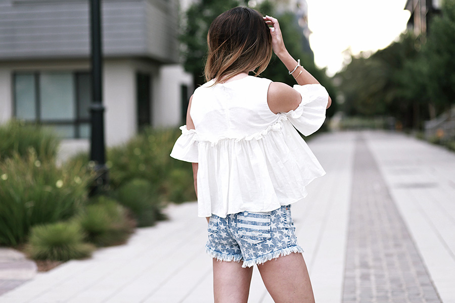 pixie market white top target star shorts sam and libby gladiator sandals 4