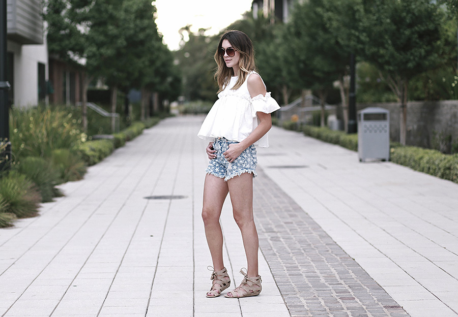 pixie market white top target star shorts sam and libby gladiator sandals 7