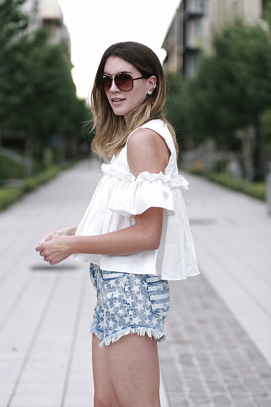 pixie market white top target star shorts sam and libby gladiator sandals 8