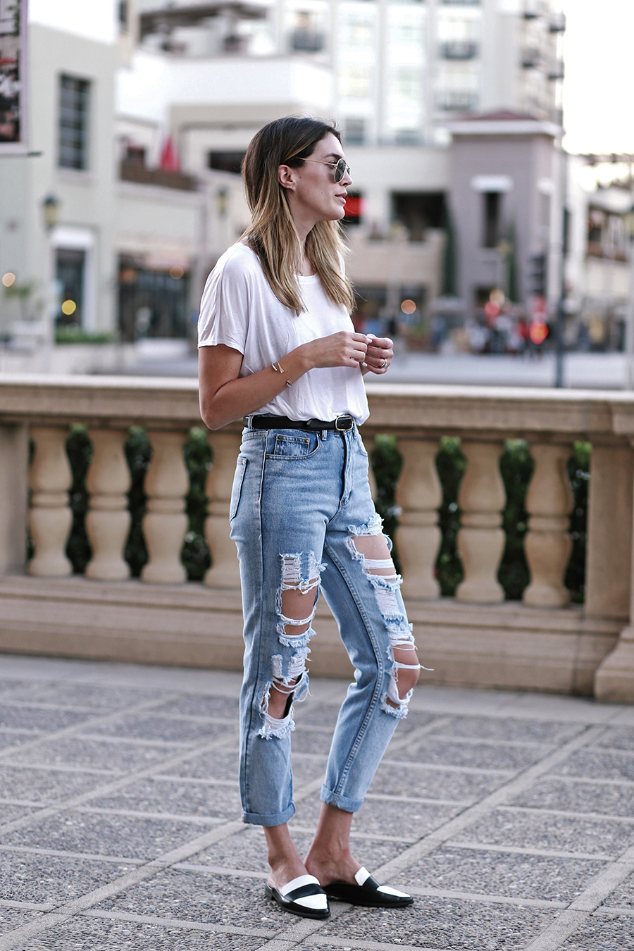 primary ny white tee shirt boohoo jeans forever21 slides 1