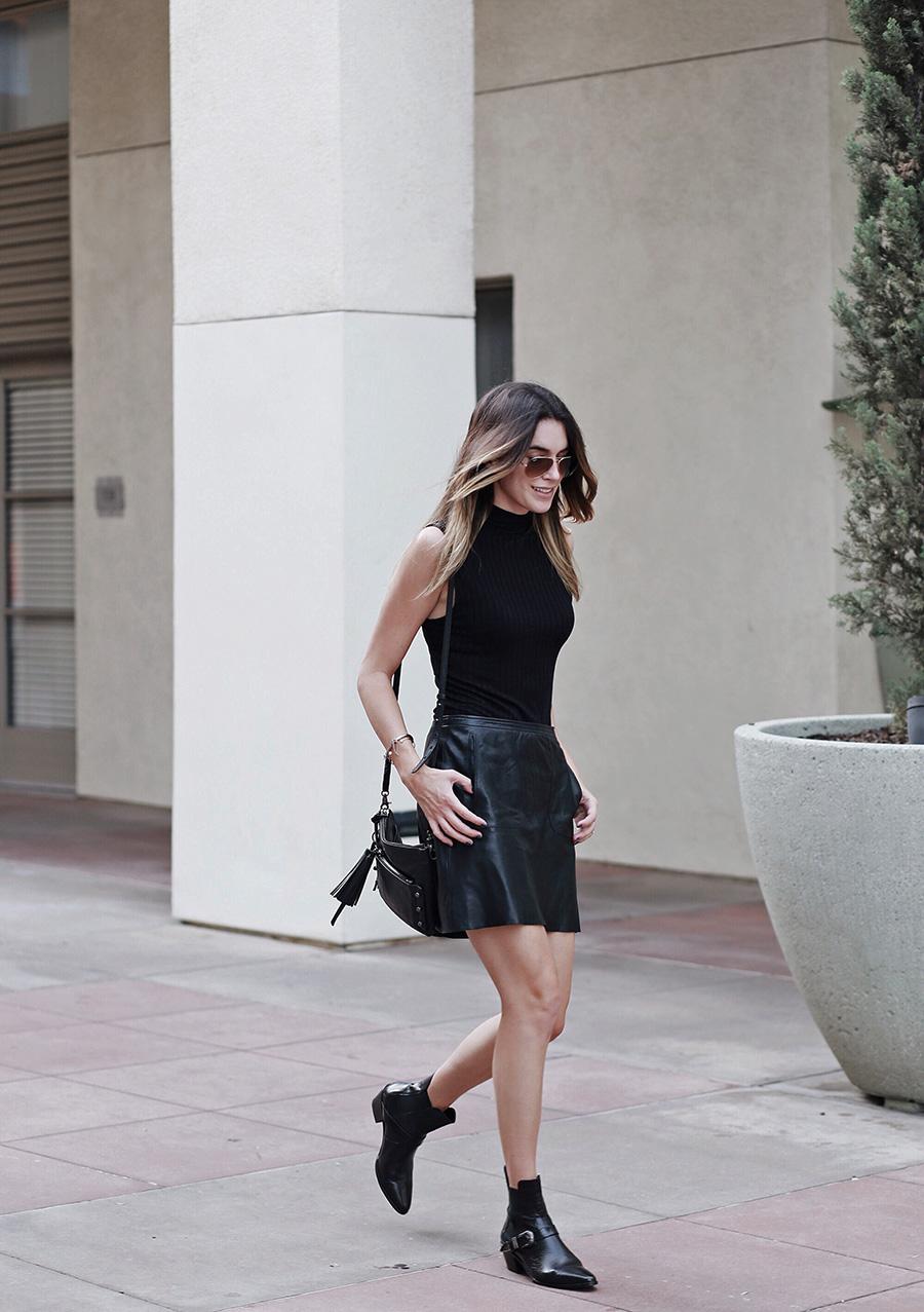 All Black Outfit Fashion Blogger brittanyxavier.com