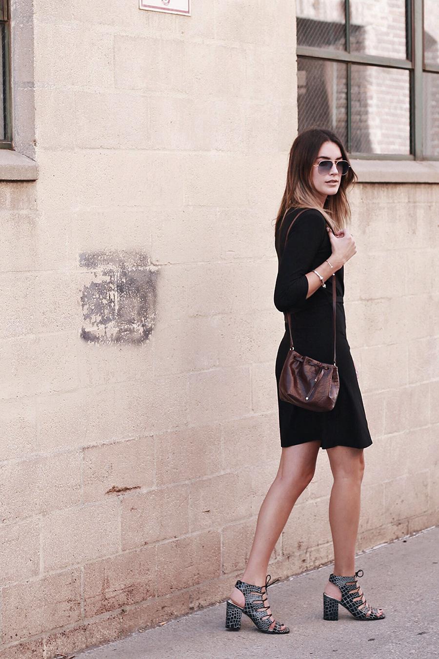 brittanyxavier.com Bucket Bag Brittany Xavier Senso Heels