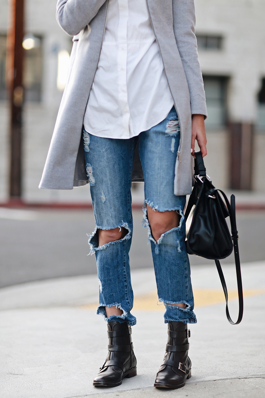 Ripped Jeans Black Bag Fashion Blogger