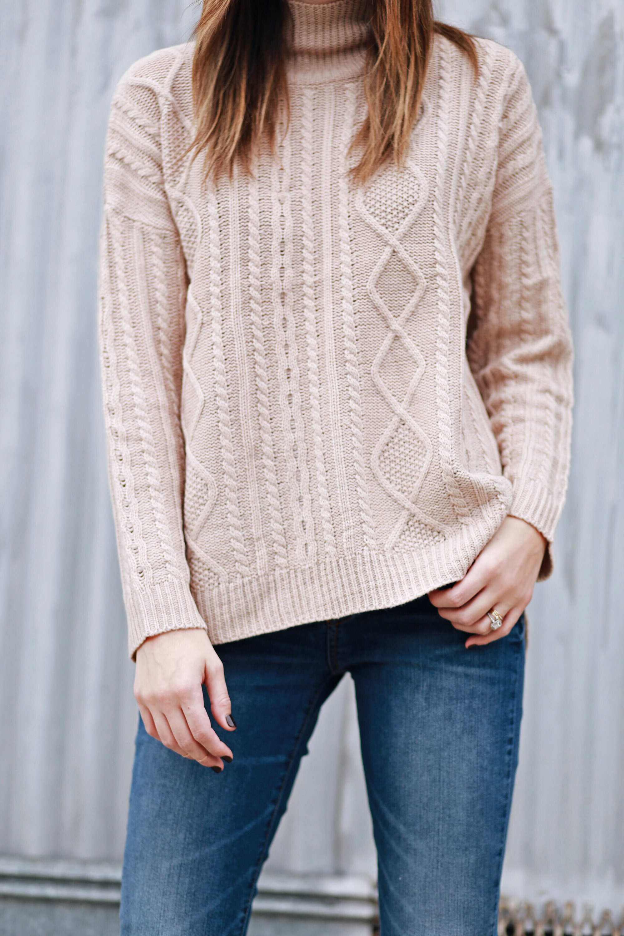Lightweight Cable Knit Sweater Tan