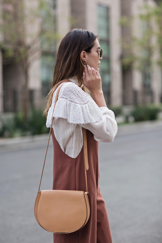 Camel Saddle Bag Blogger